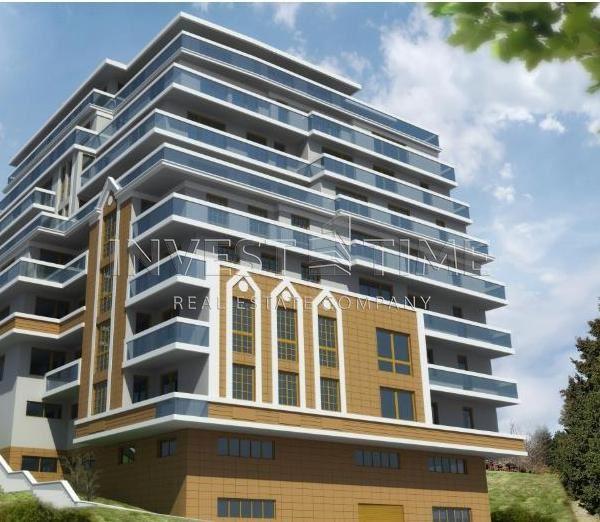 Тристайно жилище в нова лукс сграда