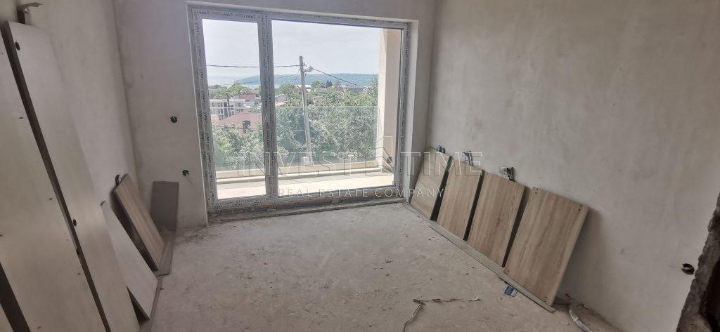 Четиристаен апартамент със страхотна морска панорама