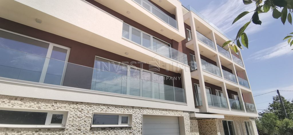 Панорамен просторен апартамент – Бриз